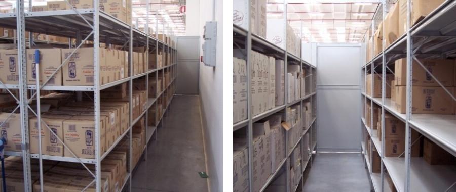2. Scaffalatura metallica ad incastro professionale E50 con 4 livelli di carico