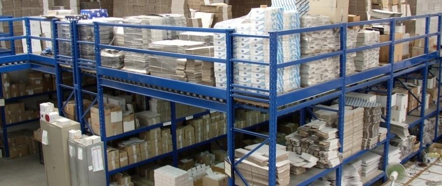 10. In questo magazzino lo spazio dedicato alla logistica è stato raddoppiato, sfruttando sia la parte sopraelevata sia la parte sottostante